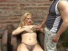 Blonde mature likes to fuck with her handsome neighbor in many ways